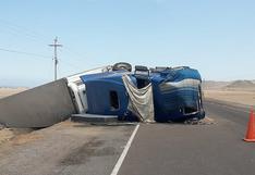 Camión que venía de Arequipa vuelca y restringe el paso por la vía Costanera