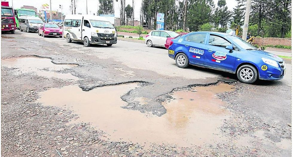 Lluvias y falta de drenaje pluvial en Av. Castilla arruinaría sus mejoras