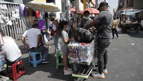 Las Asociación Gamarra Perú indicó que se debe solucionar el tema de la informalidad que está en los exteriores del emporio. (FOTO: GEC)