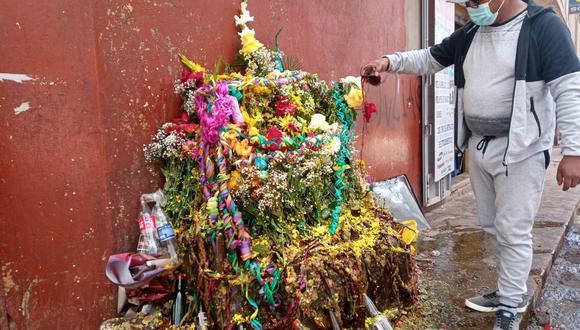 Pobladores adornaron con serpentinas, mixturas, flores y otros. (Foto: Feliciano Gutiérrez)