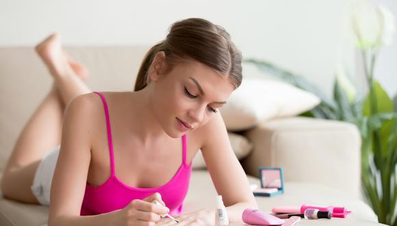 Las manos son símbolo de estilo y lograr una manicura de excelente acabado no es difícil si elegimos los esmaltes correctos.
