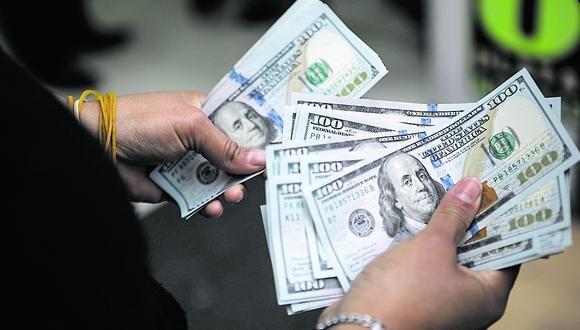En el mercado paralelo o casas de cambio de Lima, el tipo de cambio se cotizaba a S/ 4.060 la compra y S/ 4.130 la venta de cada dólar. (Foto Joel Alonzo / GEC)