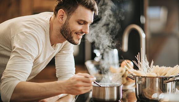 Para poder combatir el frío que vendrán en estos días, no hay nada mejor que consumir una rica sopa caliente. (Foto: Getty Images)
