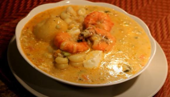 El chupe de camarones es mejor hecho en casa. (Captura: Youtube/ZoylaM)