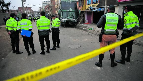 La madre de familia fue atropellada cuando vendía en su puesto situado en la Av. Los Álamos, en San Juan de Miraflores (SJM).