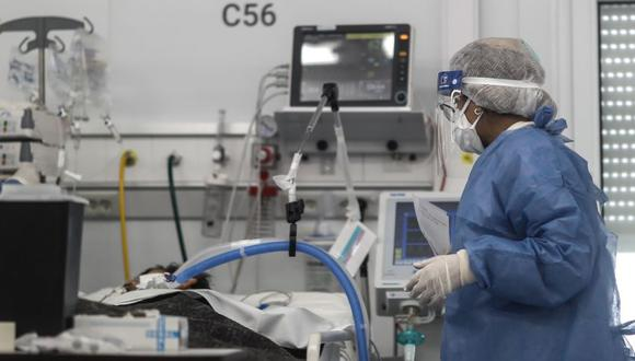 Pacientes luchan por sus vidas en hospitales