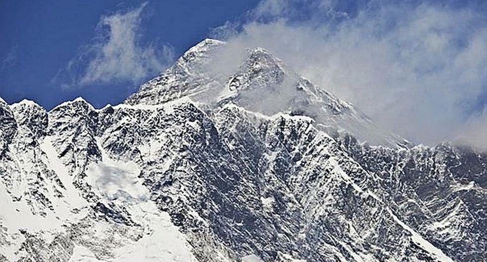 Monte Everest se derrite por cambio climático y aparecen cuerpos de montañistas