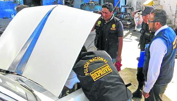 Vehículo oficial desaparece de taller mecánico
