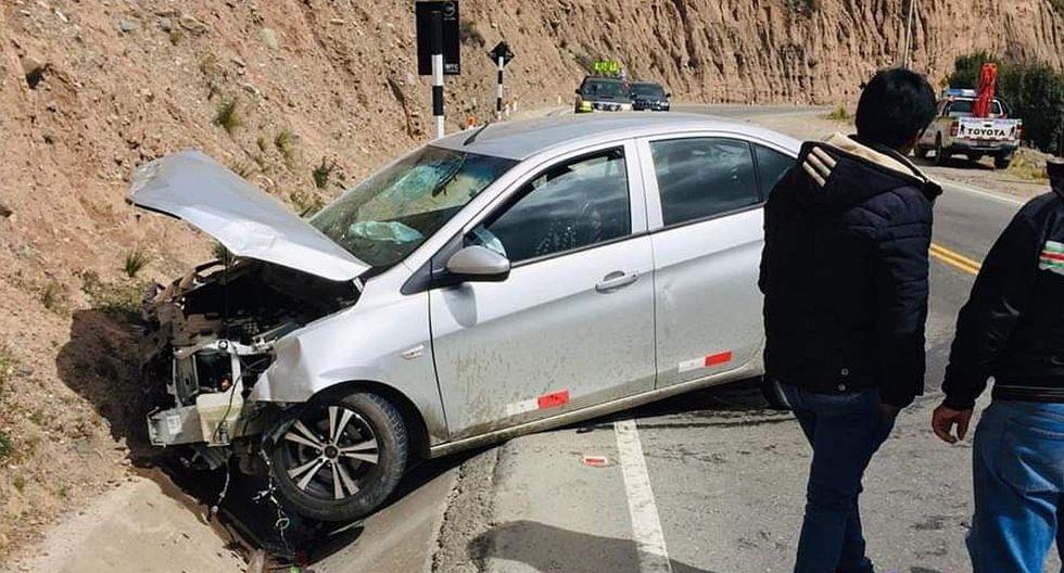 Carretera Central: Auto choca contra cerro y dos pasajeros quedan heridos