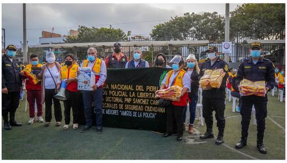 Entregan implementos a 150 dirigentes de las Juntas Vecinales de Seguridad Ciudadana del distrito zapatero.