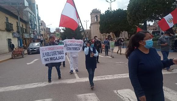 Pobladores salieron a protestar en ambas localidades de la región.