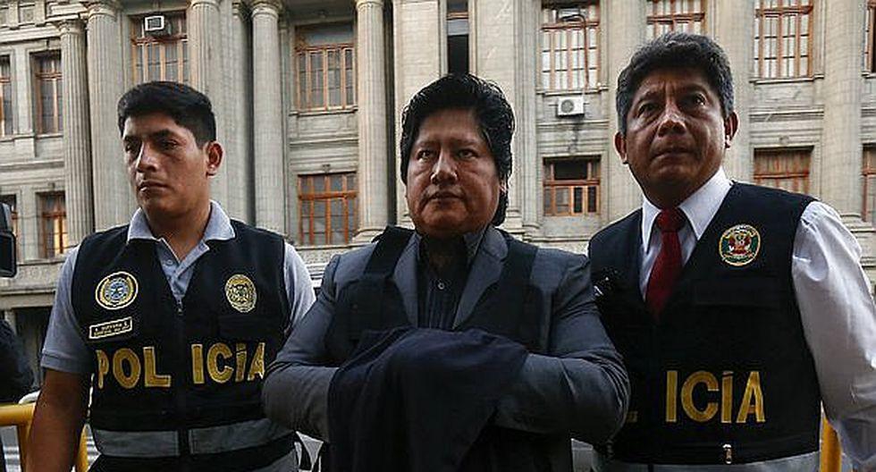 Juez da plazo de 15 días a fiscal para que acuse a Edwin Oviedo