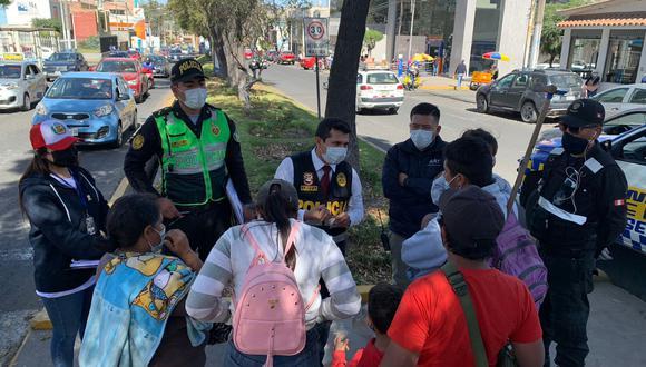Para salvaguardar la integridad de menores de edad, se realizó un operativo del Serenazgo de la Municipalidad de Yanahuara Policía Nacional. (Foto: Correo)