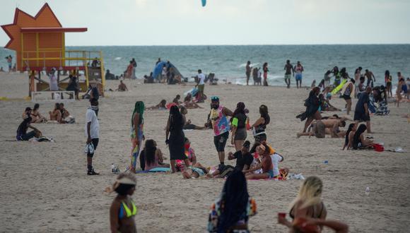 """El """"estado del sol"""" reportó hoy 9.344 nuevos casos confirmados de  COVID-19 y 78 muertos, según las cifras publicadas por el Departamento de Salud de Florida. (Foto: EFE/EPA/CRISTOBAL HERRERA-ULASHKEVICH)"""