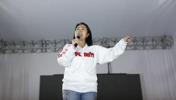 Keiko Fujimori deslindó con el ataque que sufrieron los ministros de Salud y de Vivienda durante marcha de simpatizantes de Fuerza Popular. (Foto: César Bueno / @photo.gec)