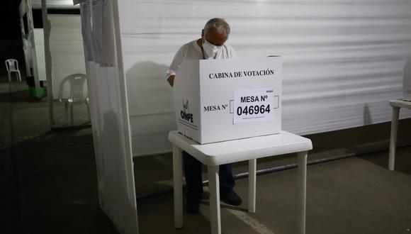 El jefe de la ONPE, Piero Corvetto, consideró que el acto electoral debería desarrollarse con mayor rapidez durante la segunda vuelta. (Foto: GEC)