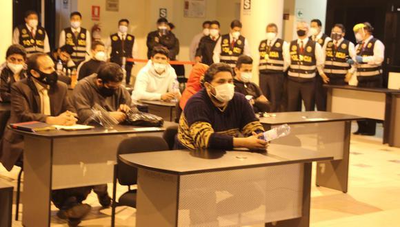 El Primer Juzgado de Investigación Preparatoria de Lima Norte, a cargo de la jueza María del Carmen Lauya Méndez, dictó la prisión preventiva para 16 policías. (CSJLN/Twitter)