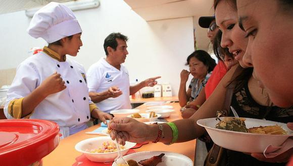 Una veintena de expositores animarán hoy feria gastronómica