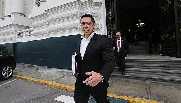 Comisión de Ética investigará denuncia contra congresista Miguel Castro