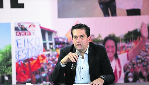 LIMA, MIERCOLES 23 DE JUNIO DEL 2021EL VOCERO DE FUERZA POPULAR MIGUEL TORRES ACOMPAÑADO DE LOURDES FLORES NANO BRINDO CONFERENCIA DE PRENSA DONDE AFIRMA SEGUN EL Y LOS ESPECIALISTAS QUE LO ACOMPÀÑAN QUE SI HUBO FRAUDE EN FIRMAS, ESPERAN QUE LA JNE SE PRONUNCIE