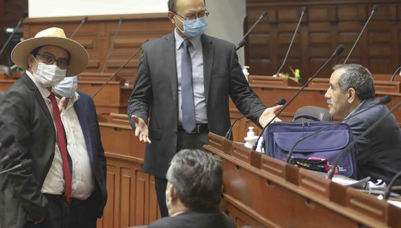 El vocero de la bancada de Acción Popular señaló que habló con Merino y que éste podría dar una conferencia de prensa este domingo. (Foto: Congreso)