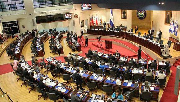 El Salvador: No podrán pagar pensiones por falta de presupuesto