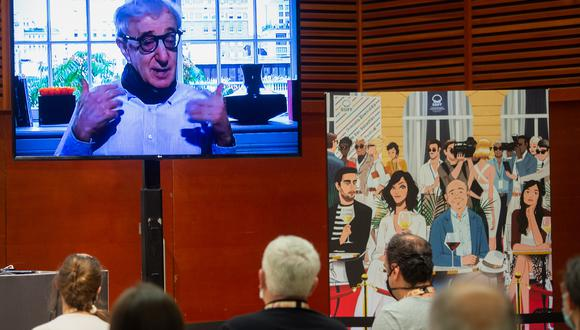"""Woody Allen durante la video conferencia ofrecida en el Festival de San Sebastián con motivo del estreno de su cinta """"Rifkin's Festival"""".  (Foto: Ander Gillenea / AFP)"""