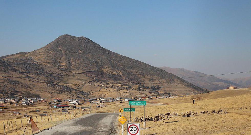 Piden 5 mil soles por cada camión de mineral en medio de paro en Las Bambas