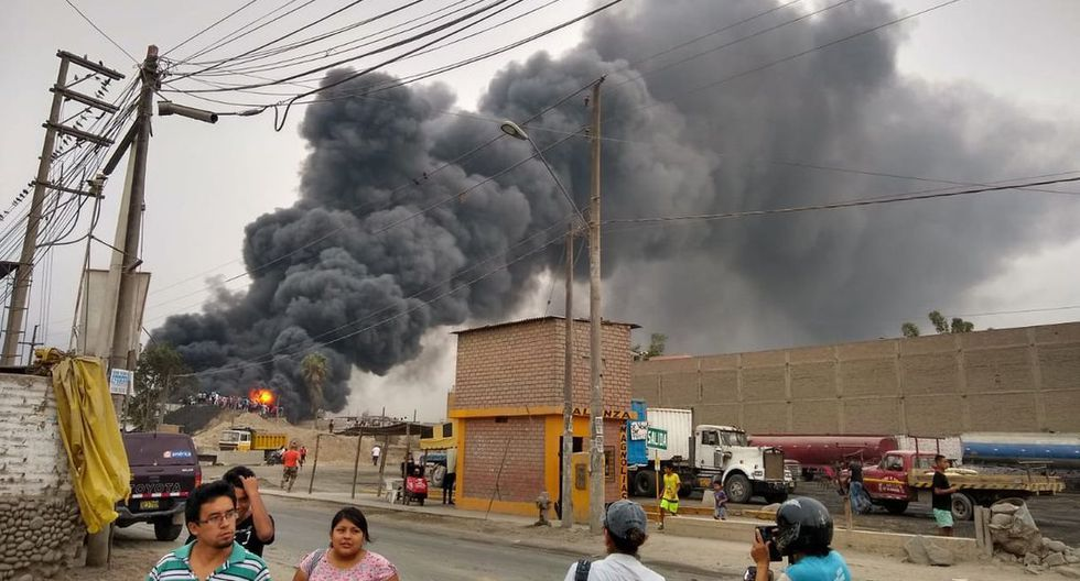 Tras un arduo trabajo de varias horas, el incendio logró ser controlado. (Foto: José Rojas Bashe)