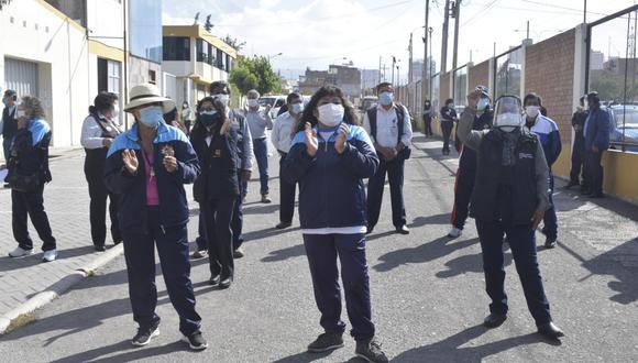 Administrativos de Salud en Arequipa exigen el pago de la deuda social