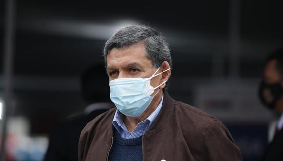 El ministro de Salud, Hernando Cevallos, señaló que el tema de la incineración de Abimael Guzmán no se votó en el Consejo de Ministros pues no es competencia del Gobierno. (Foto: Britanie Arroyo / @photo.gec)