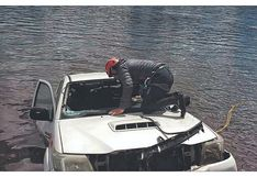 Áncash: Recuperan cuerpo de joven que cayó a laguna en camioneta