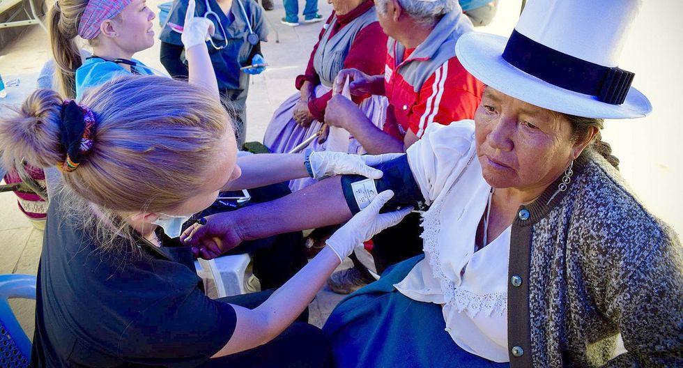 Atención médica gratuita por el 'Día de La Mujer' en San Sebastián (FOTOS)