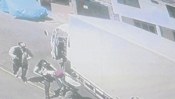 Testigos afirman que se resistió al asalto y los delincuentes realizaron tres disparos, una bala impactó en la cabeza de la víctima. (Foto referencial)