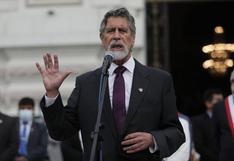 Francisco Sagasti jura como presidente del Perú