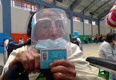 """""""Estoy feliz"""": Anciana de 101 años recibe primera dosis contra la COVID-19 en Huánuco (VIDEO)"""