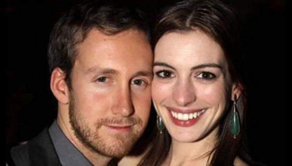 Actriz Anne Hathaway se casa con Adam Shulman