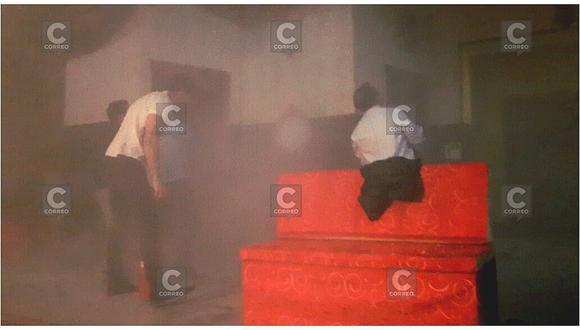 Incendio ocurrió en el teatro Canout en plena presentación de nueva obra (VIDEO y FOTOS)