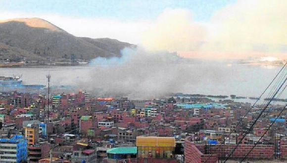 Puno: incendio de totorales en Av. Costanera mantuvo en zozobra a la población