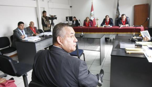 El juicio oral estaba programado para hoy, pero la abogada del ex ministro indicó en la audiencia virtual que su patrocinado presenta síntomas de coronavirus.