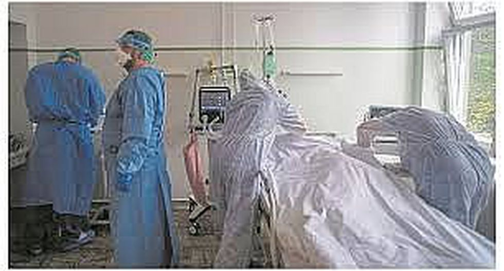 Dos médicos del hospital Santa Rosa dan positivo a coronavirus tras atender a gestantes contagiada