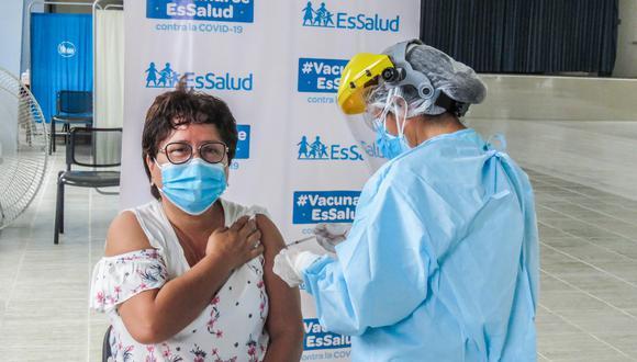 El candidato al Congreso de Fuerza Popular cuestionó que en los ensayos clínicos se haya aplicado la vacuna de la cepa de Wuhan pese a que, según dijo, se conocía que no era eficaz.