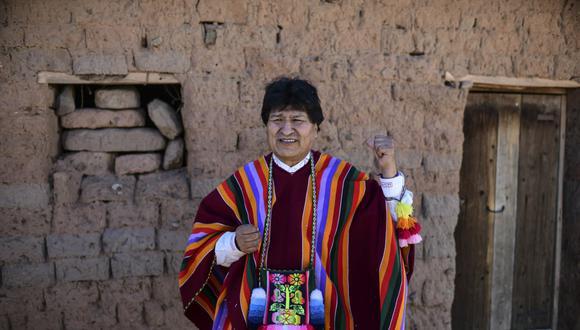 Evo Morales, que también es presidente del gubernamental Movimiento al Socialismo (MAS), se suma a la lista de algunas autoridades del Gobierno del presidente Luis Arce que se contagiaron con el virus. (Foto: RONALDO SCHEMIDT / AFP)