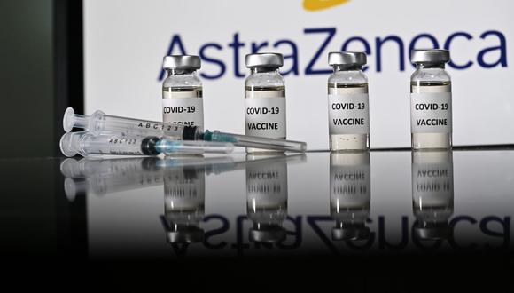 AstraZeneca tendrá disponibles 200 millones de dosis de la vacuna de COVID-19 que desarrolla junto a la Universidad de Oxford a finales de 2020.
