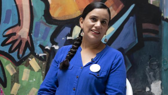 Con bombos y platillos, la candidata presidencial de Juntos por el Perú, Verónika Mendoza, suscribió un pacto en el que se comprometió a presentar un proyecto de ley para convocar a un referéndum constituyente apenas llegue al sillón de Pizarro, si llega a ser así. Empero, el acto -desarrollado en Tacna- congregó a numerosas personas que no respetaron la distancia social para prevenir el COVID-19. (Foto: Eduardo Cavero / GEC)