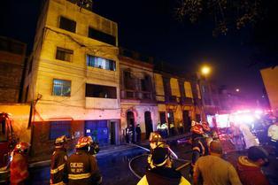 Incendio en el Cercado de Lima destruye seis viviendas de solar