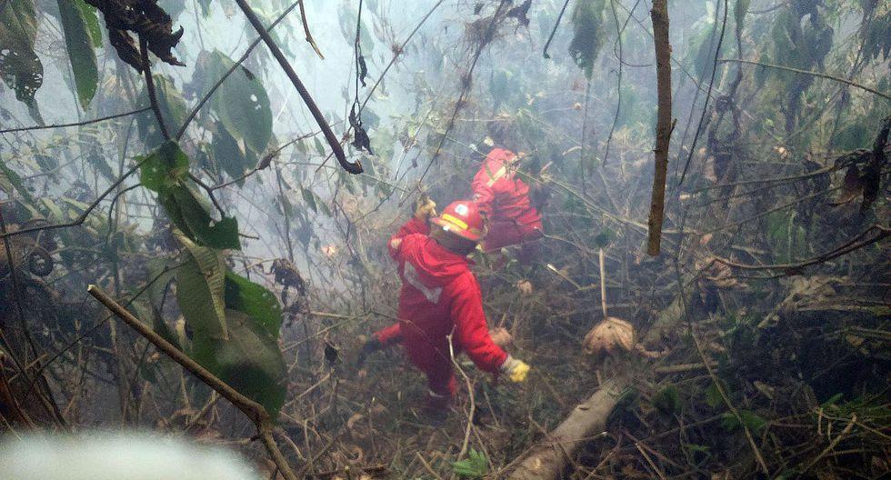 Ejército se suma a bomberos para combatir incendio en Kimbiri - Vraem