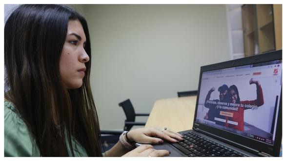 Escolares de secundaria y padres de familia reportan en línea información sobre productos repartidos por los Comités de Alimentación Escolar.