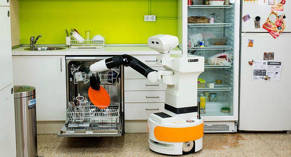 Crean robots semihumanoides ideales para personas de la tercera edad (FOTOS)