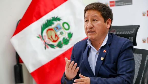 """También afirmó que si al canciller Óscar Maúrtua o a su vicecanciller no les gusta la reunión entre ambos, """"tienen las puertas abiertas"""". (Foto: PCM)"""